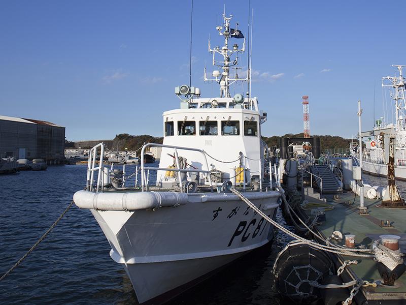 <ruby><rb>職場</rb><rp>(</rp><rt>しょくば</rt><rp>)</rp></ruby>は船の上