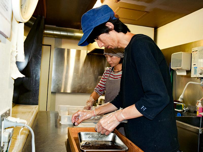 レシピを考え,新しい和菓子を生み出す