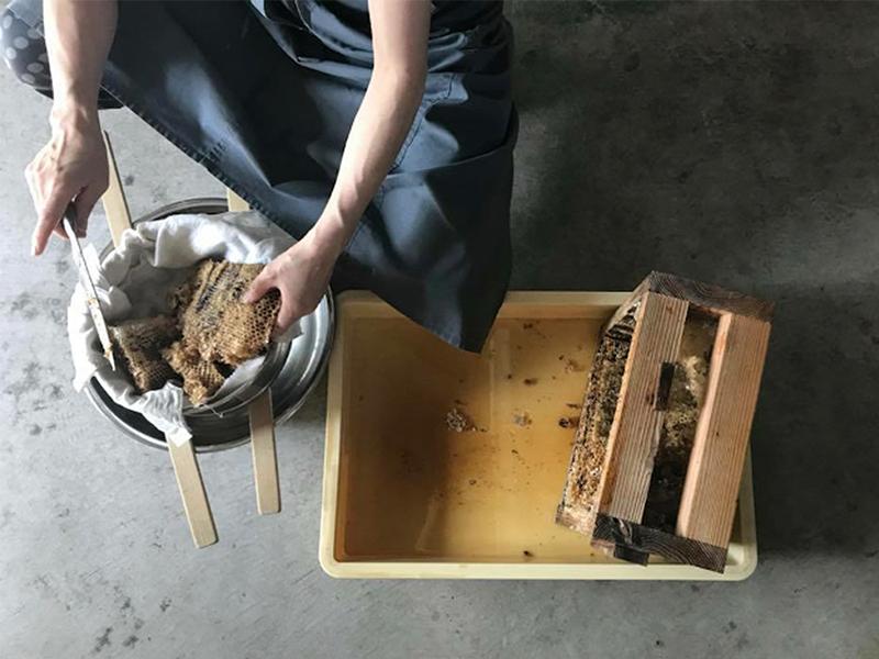 ハチミツを使った商品づくり