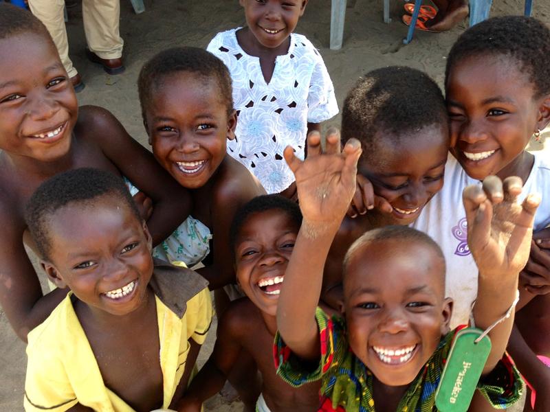 アフリカで栄養が足りない子どもたちのために