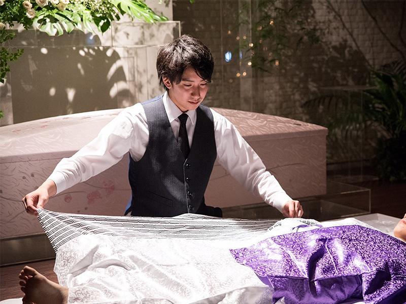 葬儀で故人とご遺族をサポートする