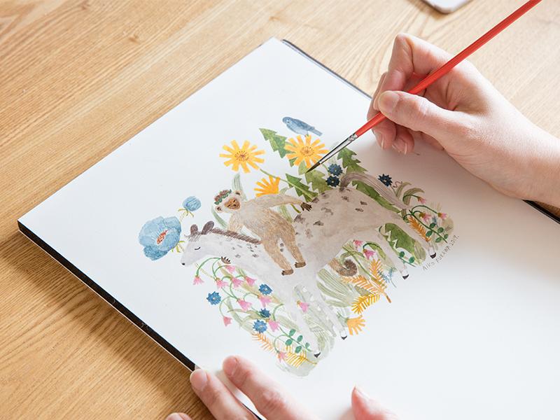イラストレーターとして絵を描き,絵本作家として物語も作る